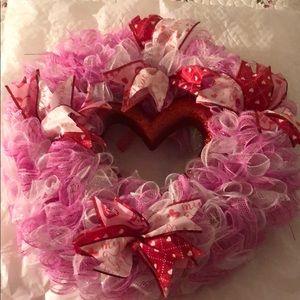 Valentines Wreath D1